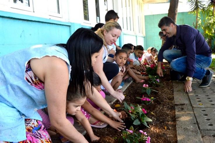 2017-09-13-plantio-de-flores-flavio-aquino-18jornal