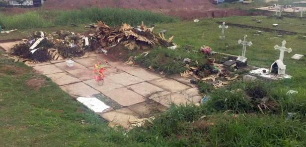 Cemitério de Poá 01