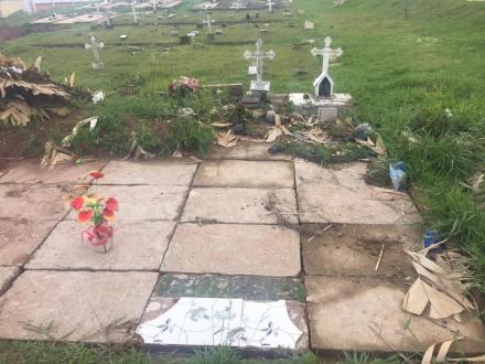 Cemitério de Poá 03