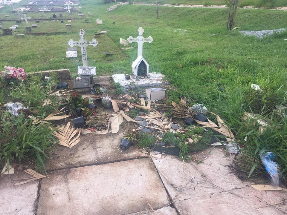 Cemitério de Poá 06